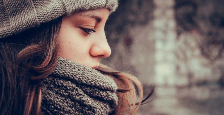 首を暖める