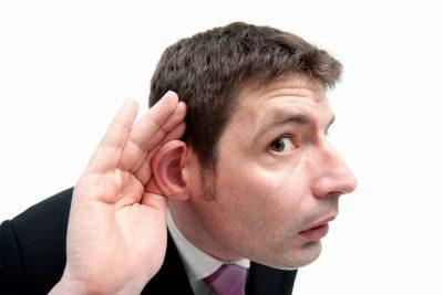 話すことより聞くことを優先させる