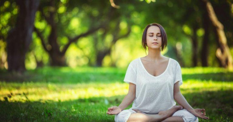 毎日10分の瞑想で集中力を3倍に高める為のコツ