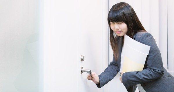 面接入室時の注意事項を守って、好印象を与える5つのコツ