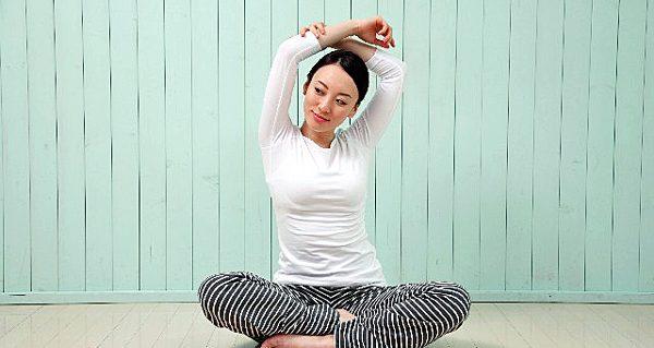 緊張をほぐす体操で、心と体をリラックスさせるポイント