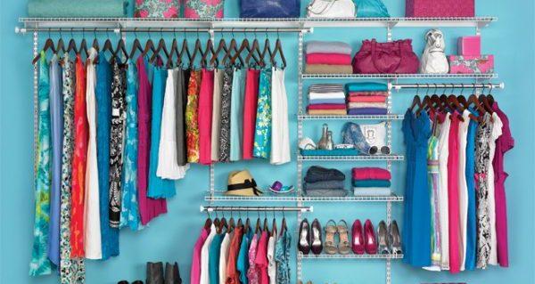 断捨離で服を整理し、部屋の片付けから開放されるコツ