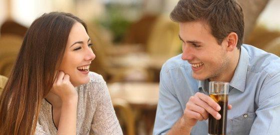 会話術を磨いて気になる人と楽しい時間を過ごす5つのコツ
