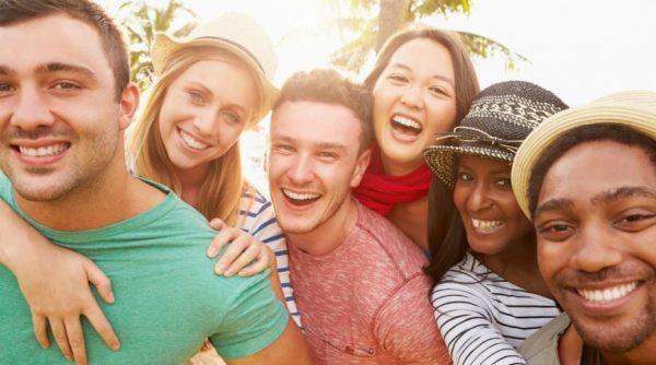 恥ずかしがり屋を改善して素敵な友達をたくさんつくる方法