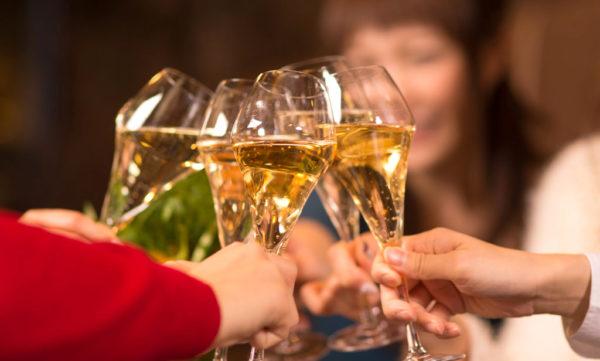 デザートワインの種類を学んで、素敵な食事を演出する方法