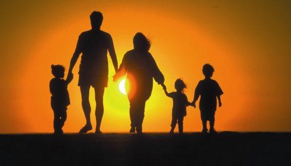 洞察力を磨いて家族との苦しい関係を切り抜ける秘訣とは