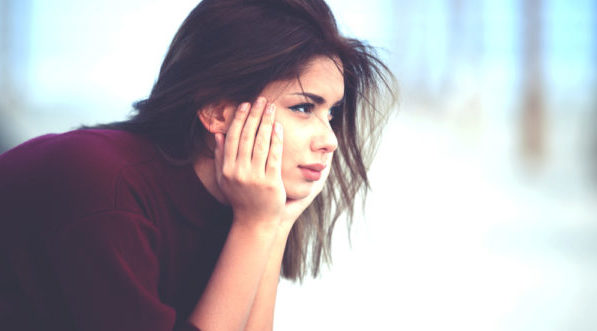 別れるべきか悩んでいる人の味方★決断を導く5つのポイント